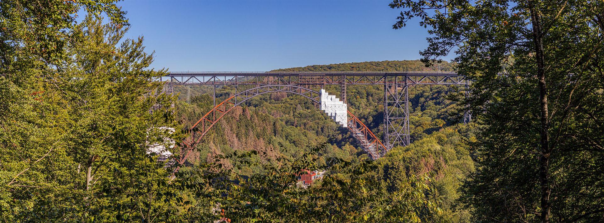 Müngstener Brücke als Panoramabild - Vordergrundbild